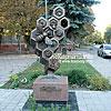 """Пам'ятник """"бджілці-трудівниці"""""""