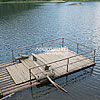 Пліт на озері